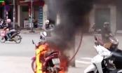 Thái Bình: Xôn xao clip đốt xe máy khi bị CSGT bắt