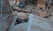 TP HCM: Giàn ép cột bê tông 10 tấn đổ sập đè ngân hàng Eximbank