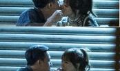 Chia tay Tiến Đạt, Hari Won bị bắt gặp say đắm hôn Trấn Thành