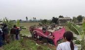 Hà Nam: Xe khách mất lái lao vào taluy rồi lật nhào xuống ruộng