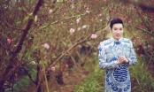 Quang Hà mặc trang phục truyền thống du Xuân giữa vườn đào Nhật Tân