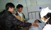 Gác vui Xuân, người trẻ mang Tết ấm đến tận giường bệnh nhân