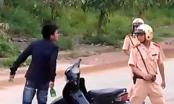 Bảo vệ hành xử côn đồ, đòi hành hung cảnh sát giao thông