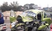Tai nạn kinh hoàng trên cầu, nạn nhân bò khỏi xe nát bét kêu cứu