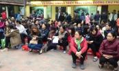Người dân tấp nập kéo về các chùa ngày Tết Nguyên tiêu