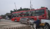 Nghệ An: Né cầu vượt trăm tỷ, các phương tiện đua nhau vượt đường ngang