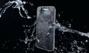 Galaxy S7 ngâm nước vô tư, iPhone 6s đầu hàng