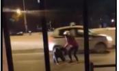 Clip: Nam thanh niên thất tình lao thẳng vào xe trên đường tự tử ngày 8/3 tại Hà Nội