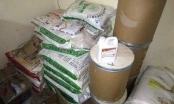 Hà Nội: Bắt giữ 2,5 tấn phụ gia bẩn dùng sản xuất nước ngọt, bim bim