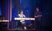 Ngọc Hân xấu hổ khi chơi piano trước MC Anh Tuấn