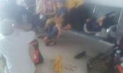 Vạ vật suốt đêm ở sân bay Vinh vì VietJet Air hủy chuyến