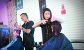 Chuyên gia tóc hàng đầu của Ý - Carlo Franco và nhà tạo mẫu tóc Xuân Thương cùng trổ tài làm đẹp cho tóc