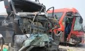 Cú đấu đầu tử thần giữa xe khách với xe tải khiến 6 người nhập viện