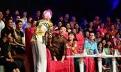 """Trấn Thành, nhạc sĩ Đức Huy hốt hoảng vì bị thí sinh """"cưỡng hôn"""" trong Làng hài mở hội"""