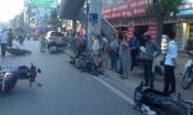 Tai nạn kinh hoàng: Fortune đốn ngã hàng loạt xe máy