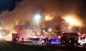 Nam Định: Ô tô khách bùng cháy dữ dội, khói lửa đỏ rực Quốc lộ 10