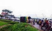Vĩnh Phúc: Châu chấu đá xe khiến 21 người nhập viện