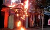 Hà Nội: Nổ lớn do chập điện, cả khu phố náo loạn