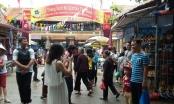 Hà Nội: Nghỉ lễ 2/9, người dân ùn ùn tới làng gốm Bát Tràng