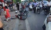 Hà Nội: Ô tô đâm liên hoàn hàng loạt xe máy