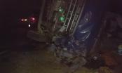 Lật xe tải chở lựu trên đường cao tốc Nội Bài - Lào Cai, tài xế nguy kịch