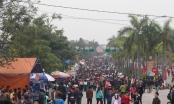 Hàng nghìn người đổ về hội Lim ngày khai hội