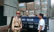 Lợi dụng sáng sớm để chạy xuyên Thủ đô, một xe tải hàng lậu bị thu giữ