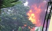 TP HCM: Trạm biến áp tràn dầu, một phụ nữ đi đường bị bỏng
