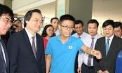 Giảng viên tố hiệu trưởng làm sai trước mặt Bộ trưởng Phùng Xuân Nhạ