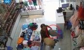 Clip: Người đàn bà nhanh tay lấy trộm đồ trong shop quần áo