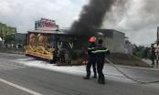 Thanh Hóa: Xe chở linh cữu bất ngờ cháy ngùn ngụt trên quốc lộ 1A