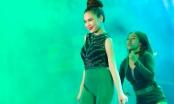 Giang Hồng Ngọc khoe mặt tròn xoe rạng rỡ với jumpsuit xanh lá, mướt mồ hôi tại sự kiện
