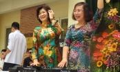 Cô Hiệu trưởng làm DJ chơi nhạc trong lễ chia tay học trò cuối cấp