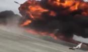 Vidieo: Máy bay lao xuống đường cao tốc tại Mỹ bốc cháy dữ dội
