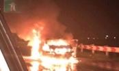Ô tô 4 chỗ cháy trơ khung trên cao tốc Pháp Vân - Cầu Giẽ