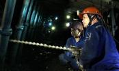 Quảng Ninh: Bục nước hầm lò, công nhân đang mắc kẹt ở độ sâu -100m
