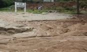 Đà Nẵng: Mưa lớn, bùn từ 40 móng biệt thự trái phép đổ xuống biển