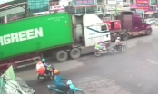 [Clip]: Người đàn ông chết hụt sau va chạm với xe container