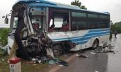 Quảng Ninh: Xe khách đấu đầu với container, nhiều người bị thương nặng