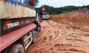 """Vĩnh Phúc: Xe trọng tải nườm nượp vào """"ăn đất"""", những khu đồi đang bị """"băm vạt"""""""