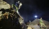 Lũ quét Yên Bái: Phá đá xuyên đêm tìm người mất tích