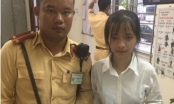 Hà Nội: Nữ sinh đánh rơi tiền và hồ sơ nhập học may mắn được CSGT nhặt được trả lại