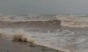 Quảng Ninh: Hai tàu bị sóng đánh chìm do ảnh hưởng của bão, nhiều người may mắn thoát nạn