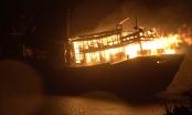 Quảng Ngãi: Cháy 2 tàu cá lúc nửa đêm, thiệt hại 8 tỷ đồng