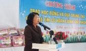 Huế: Phó Chủ tịch nước tặng quà trung thu đến với các trẻ em