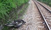 Quảng Ngãi: Tàu hỏa tông tử vong, xe máy bị kéo lê cả chục mét