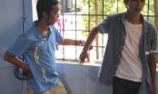 CSGT Huế bắt hai kẻ cướp tiền của người bán vé số tàn tật