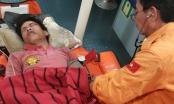 Quảng Nam: Cấp cứu ngư dân bị dây đánh vào đầu, rơi xuống biển