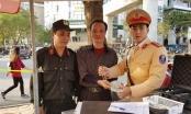 Hà Nội: Cảnh sát 141 trả lại 1 cây vàng cho người dân