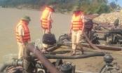 Hà Tĩnh: Bắt giữ 2 sà lan đang ăn cát trên sông Lam